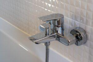 סתימה במקלחת